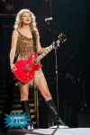 taylor-swift-staples-center-2011-06_512x768