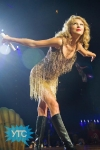 taylor-swift-staples-center-2011-17_512x768