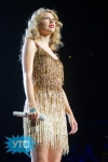 taylor-swift-staples-center-2011-22_512x768