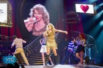 taylor-swift-staples-center-2011-24_1024x683