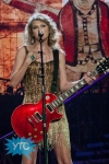 taylor-swift-staples-center-2011-29_512x768