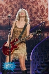 taylor-swift-staples-center-2011-37_512x768
