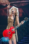 taylor-swift-staples-center-2011-40_512x768