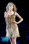 taylor-swift-staples-center-2011-53_512x768