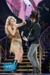taylor-swift-staples-center-2011-57_512x768