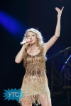 taylor-swift-staples-center-2011-59_512x768