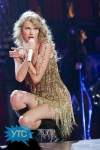 taylor-swift-staples-center-2011-63_512x768