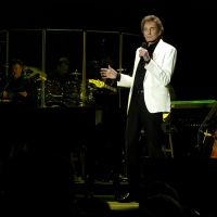 Photos – Barry Manilow @ The Wells Fargo Arena – Des Moines,IA 4-12-12