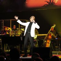 Review – Barry Manilow @ Wells Fargo Arena – Des Moines, IA 4-12-12