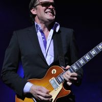 Photos – Joe Bonamassa  @ The Civic Center of Greater Des Moines,IA 5-3-12